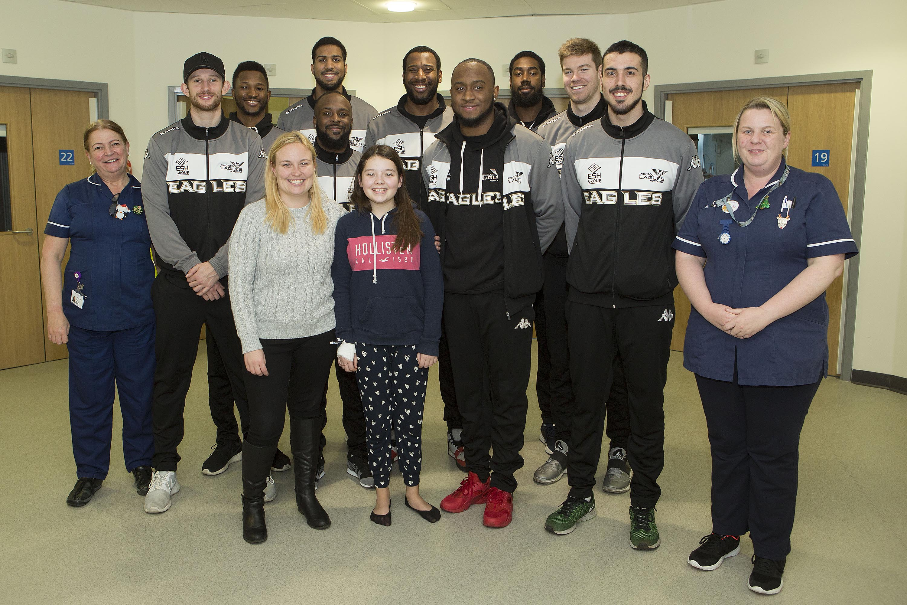 Eagles land to bring festive cheer to children in The Northumbria